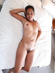 Young Filipina hustler strips off her clothes before sex