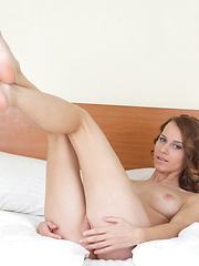 This sweetheart really knows how to give pleasure for her lover. Seductive nude posing that boil up blood. Sexy slim chick.