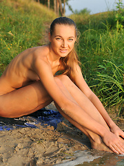 Super good looking slender girlfriend enjoying the refreshing water in nature. Good start to become extra horny.
