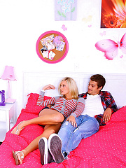 Smoking hot fucking blonde gets fucked by her sisters boyfriend in these hot reality teen fuck pics