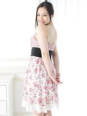Hot japanese girl Nanami Kinomoto posing