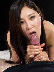 Kazuki Yuu swallows cum