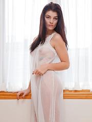 Alyson Grey Queen Of Dreams