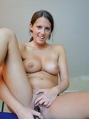 Amanda does a naughty tease